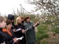 Учебную практику по плодоводству ведет В. Н. Агафонова